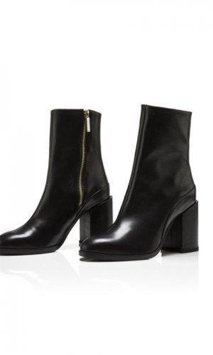 Black Spirit Boots