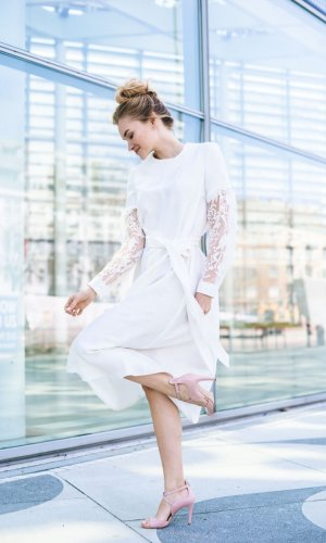 Vinonna Lace Midi Dress