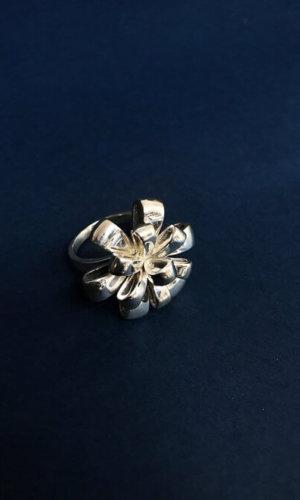Silver Ribbon Ring